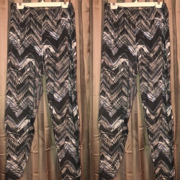 591488e2129996 Bobbie Brooks Pants | Sale Plus Size Grey Zigzag Leggings | Poshmark